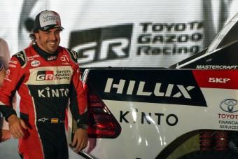 F1: Alonso a Dakarról szólt be Hamiltonnak