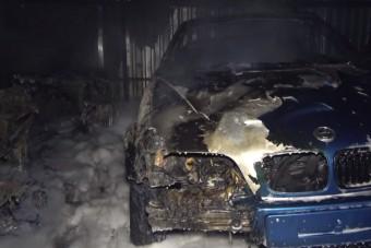 Hét autó égett porrá egy csepeli garázsban