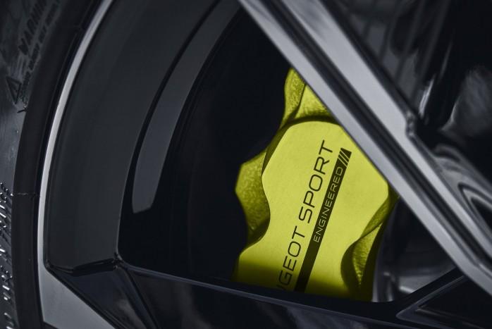 Gyártásba kerül a Peugeot sportszedánja 2