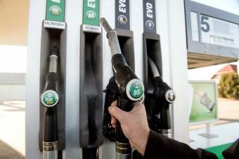 Ismét csökken a benzin ára a hazai kutakon