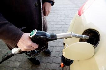 Csökken az üzemanyag ára a hazai kutakon