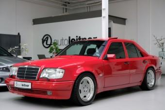 Brutális árat kérnek ezért a 25 éves Mercedesért