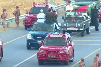 Hatalmas autókonvoj kísérte utolsó útjára az ománi szultánt