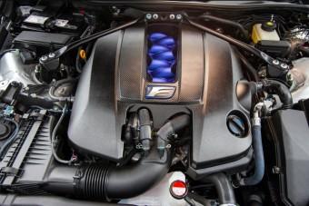 A gyártás kapujában a Lexus új izommotorja