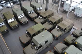 30 katonai Mercedes terepjárót tettek ki a svájci seregből