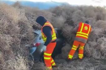 Gaz lepte el az autópályát, autókat is maga alá temetett