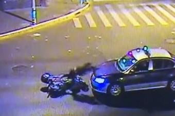 Bizarr balesetbe keveredett a részeg motoros