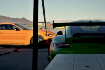 Képes megverni az amerikai izomautó az európai sportautót?