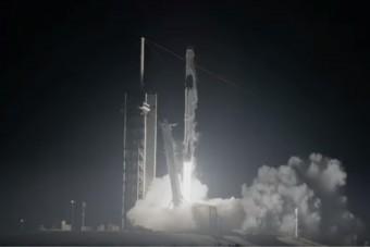 Készen áll a SpaceX emberek szállítására az űrbe