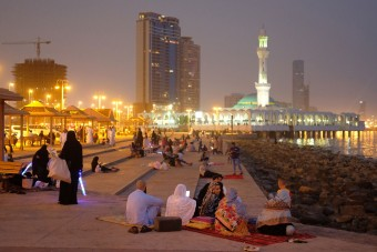 Hivatalos: Forma-1-es futamot rendez Szaúd-Arábia