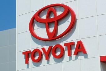 Végre úgy első a Toyota, hogy nem második