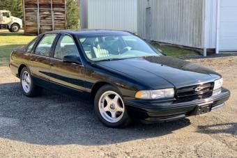 Mintha vadonatúj lenne: egy pajtából került elő ez a régi Chevrolet