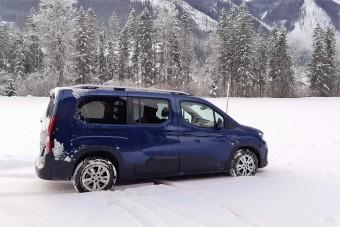 Teleülve is használható egy hétszemélyes autó? - Peugeot Rifter teszt