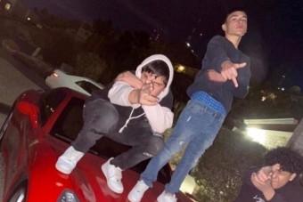 Lebuktak a Ferrarin pózoló fiatalok