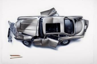 Legendás filmes autókból álmodott roncsot egy olasz művész