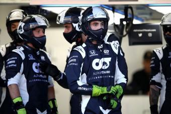 F1: Duplázzák a csapatokat a koronavírus miatt