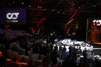 F1: Felnőtt a kisebbik Red Bull-csapat