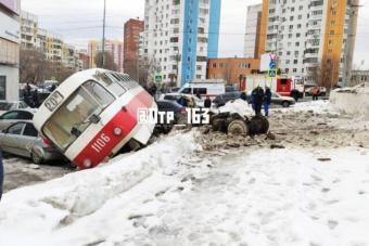 Önálló életre kelt orosz villamos, öt autót tarolt le