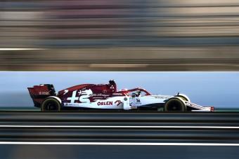 F1: Megvolt a teszt első balesete - videó