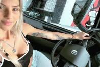 Anasztázia a világ egyik legszebb autószerelője, aki nem fél összepiszkolni magát 15