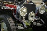 Mustangból építettek vérbeli Batmobile-t 6