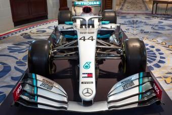 F1: Megmutatták az új Mercedest