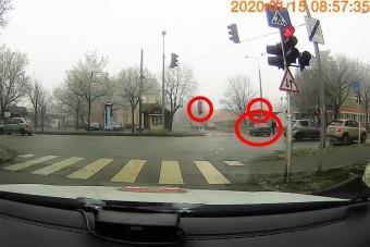 Nem fogynak el a pofátlan autósok a magyar utakról