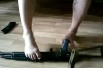 Őrület, mire képes a lábával az orosz férfi