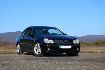 V6-os kupé Mercedes, kétmillióér'