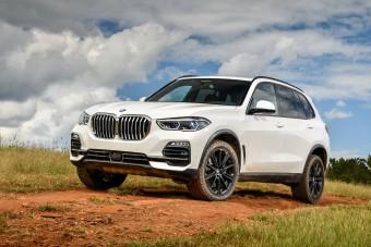 48 voltos hibrid rendszerrel takarékoskodik a BMW X5