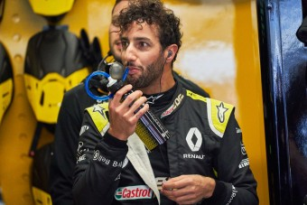 F1: Ricciardo a jövőjével játszik?