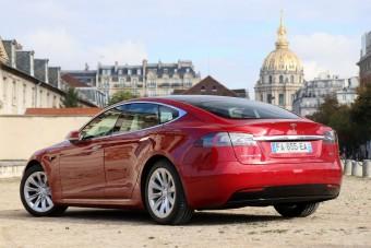 Rekordszámú autót adott el a Tesla