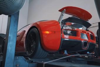 Vajon tudja az 1001 lóerőt a 15 éves Bugatti Veyron?