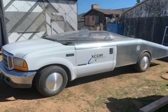 Űrrepülőt fejlesztettek ezzel a furcsa Forddal