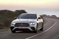 Itt a Mercedes murván csapatós luxuskombija 2
