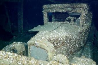 Többek között autót is találtak ebben a 92 éve elsüllyedt hajóroncsban