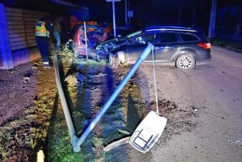 Szülei autóját zúzta le az ittas kamasz Szombathelyen