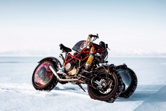 Ezzel a motorral jár a szibériai Mad Max