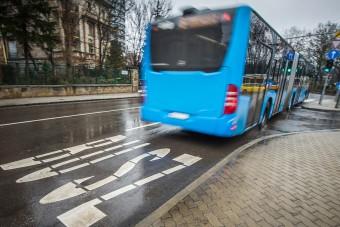 Ismét szétcsaptak a rendőrök a pesti buszsávokban