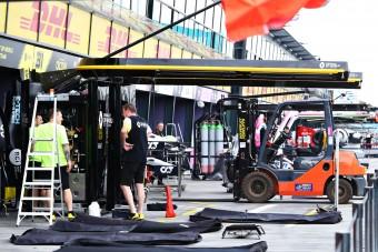 F1: Teljes csapat kidőlésekor sem fújják le a futamot
