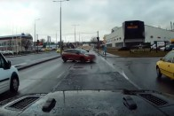 Forgalommal szembe hajtott egy autós Budapesten 1