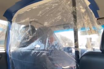 Így védekeznek ötletes taxisok a koronavírus ellen világszerte
