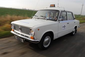 Itt a magyar taxi, amit imádni fogsz