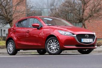 Kisautónak nagyon komoly: Mazda2 teszt