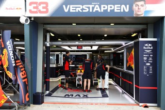 F1: Nagy balhét úszott meg a Red Bull és a Honda