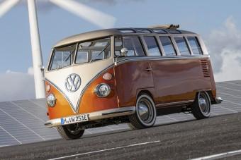 Veterán busznak álcázott öröm-villanyautó