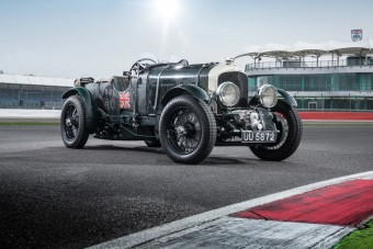 Modern technológiával alkotják újra a legendás Bentley-t