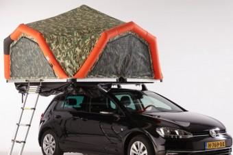 Így alhattok négyen egy kisautó tetején