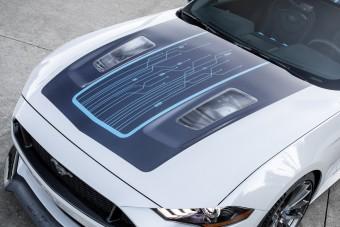 Összkerekes hibrid lesz a Ford Mustang