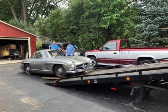 Sirályszárnyas Mercedest találtak egy garázsban